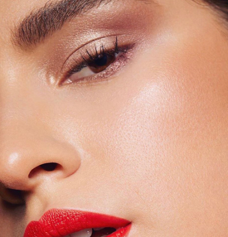 Glossy lids and Red lips